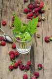 Cup of berry tea Royalty Free Stock Photography