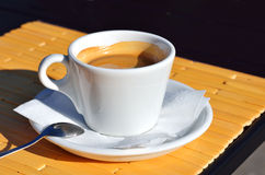 Cup of black aromatic coffee Royalty Free Stock Photos