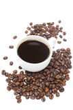 Cup of black coffee and coffee beans isolated Royalty Free Stock Photography