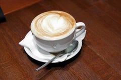 Cup Capuccino Lizenzfreie Stockbilder