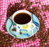 Cup cofee mit cofee Bohnen Stockfotografie
