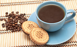 Cup of coffee with biscuits Royalty Free Stock Photography