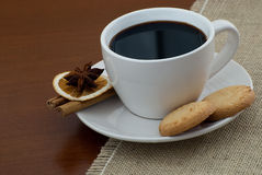 Cup of coffee and biscuits Royalty Free Stock Photography