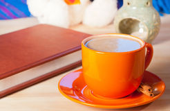 Cup of coffee and book Royalty Free Stock Photos