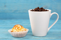Cup of coffee and cake Royalty Free Stock Image