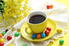 Cup of coffee and candies Royalty Free Stock Images