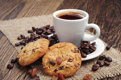 Cup of coffee and cookies with raisins Royalty Free Stock Photography