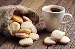 Cup of coffee and cookies Royalty Free Stock Photography