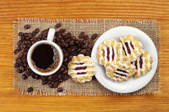 Cup of coffee and cookies Royalty Free Stock Photos