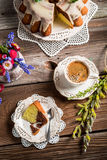 Cup of coffee, easter cake and spring flowers Royalty Free Stock Photos