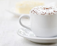 Cup of coffee and fresh cake Royalty Free Stock Images