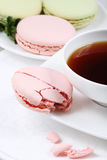 Cup of coffee and macaroon Royalty Free Stock Photos