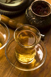 Cup des türkischen Tees und der Huka Lizenzfreie Stockbilder