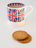 A cup of English tea and biscuits Royalty Free Stock Photography