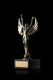 cup Goldener Cup des Siegers auf schwarzem Hintergrund Stockfotos