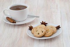 Cup of hot chocolate with cookies Royalty Free Stock Photography