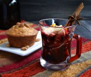Cup of hot Christmas mulled wine Royalty Free Stock Photos