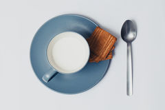 Cup of milk with biscuits Royalty Free Stock Photos