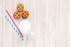 Cup of milk and cookies Stock Photography