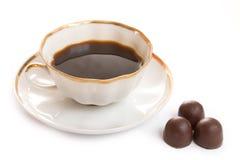 Cup mit Kaffee und Schokolade Lizenzfreies Stockbild