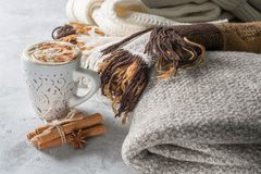 Free Cup Of Creamy Latte With Spices And Cozy Plaids Stock Photo - 101984640
