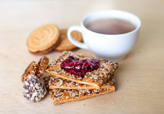 Cup of tea with biscuits Royalty Free Stock Photography