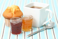 Cup of tea with confiture Royalty Free Stock Photos