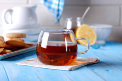 Cup of tea with honey and lemon Royalty Free Stock Photos