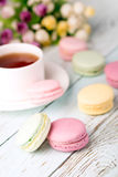 Cup of tea and macaroons Royalty Free Stock Photography