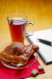 Cup of tea and notepad Royalty Free Stock Photos
