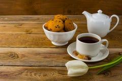 Cup of tea and porcelain teapot Royalty Free Stock Photos
