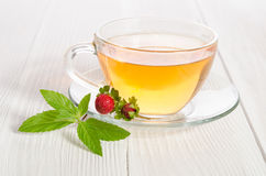 Cup of tea and strawbarries Royalty Free Stock Photos