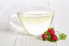 Cup of tea and strawbarries Royalty Free Stock Images