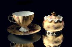 Cup- und Zuckerschüssel. Lizenzfreie Stockfotos