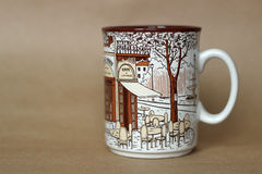 A cup with a view of a Parisian cafe Royalty Free Stock Photography
