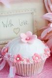 cupcake δώρο Στοκ φωτογραφία με δικαίωμα ελεύθερης χρήσης