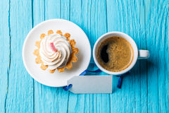 Cupcake, καφές, κενή ευχετήρια κάρτα Στοκ εικόνα με δικαίωμα ελεύθερης χρήσης