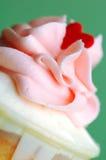 Cupcake με μια καρδιά Στοκ φωτογραφία με δικαίωμα ελεύθερης χρήσης