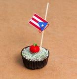 Cupcake με τη σημαία του Πουέρτο Ρίκο Στοκ φωτογραφία με δικαίωμα ελεύθερης χρήσης