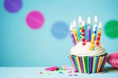 χαιρετισμός καρτών γενεθλίων cupcake ευτυχής Στοκ Φωτογραφία