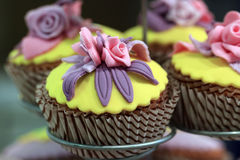 Cupcake. Delicious beautiful cupcake with cream stand Royalty Free Stock Images