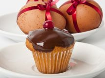 Cupcake  and Easter Eggs Stock Photography