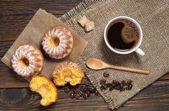 Cupcake en koffiekop Royalty-vrije Stock Fotografie