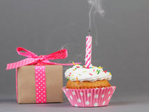 Cupcake with gift box Royalty Free Stock Image
