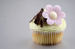 Cupcake with lemon buttercream Royalty Free Stock Images