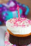 Cupcake met Kaars Stock Afbeeldingen