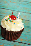 Cupcake met Kers op bovenkant Stock Fotografie