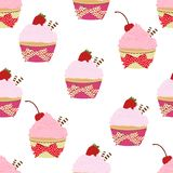 Cupcake naadloos patroon, vectorachtergrond De cakes met roze fruit romen, met een kers en aardbeien op bovenkant op een witte ba royalty-vrije illustratie