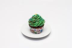 cupcake O conceito do cozimento do Natal Doce em um fundo claro imagem de stock