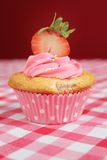 Cupcake with stawberry Royalty Free Stock Photos